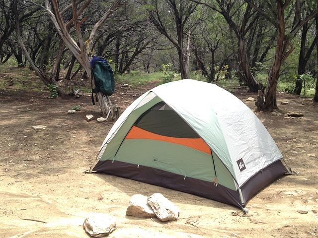camping-1556100_640